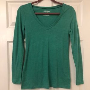 NWOT Relaxed Super Soft V Neck Size Small